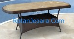 Cheska oval table apartement