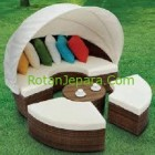 Resin Wicker Daybed with Canopy