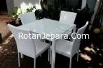 Kursi Rotan set untuk ruang makan restoran