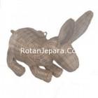 Handicraft kelinci untuk hiasan meja sudut apartemen