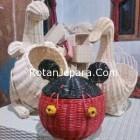 Handicraft kanguru dan bebek kerajinan rotan
