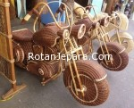Sepeda motor rotan craft anyaman rotan