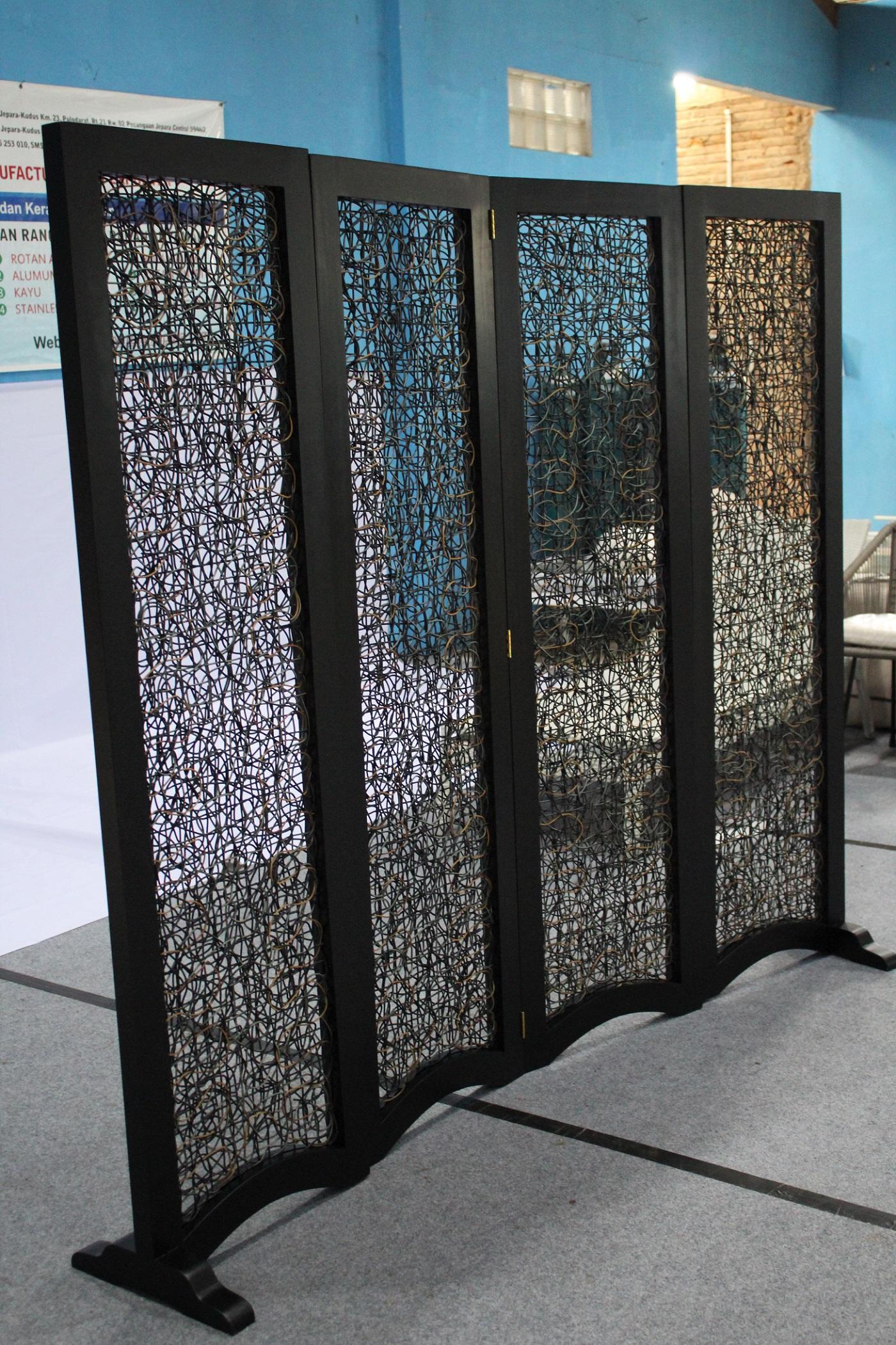 Corona Room Divider Rattan Indonesia Furniture